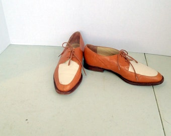sz 7 m women vintage KENNETH COLE brown and cream color leather lace up oxford shoes