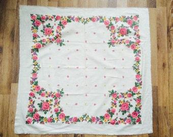 russian shawl, babushka scarf. russian shawl. Vintage Wool Shawl.Russian Scarf .floral scarf. Russian Floral Shawl