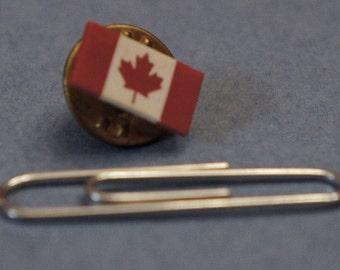 Vintage Canada flag lapel pin