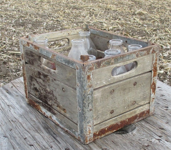 Wooden metal quality dairy st louis milk bottle crate vintage for Where can i buy wooden milk crates
