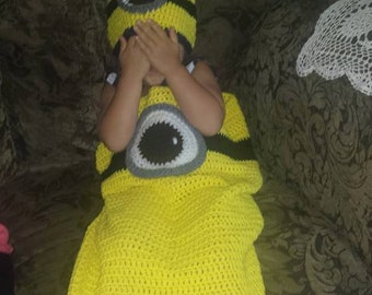 Minion Blanket (Sleeping bag style) Only 1left, sizes: 26in.