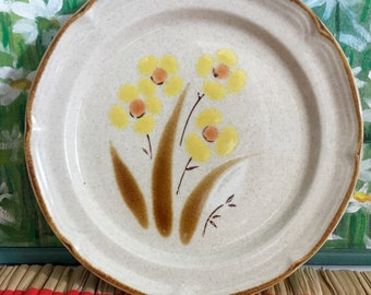 vintage stoneware plate Wellington by Hearthside Japan hand painted Salad Plate Saucer 8 inch Japan The Classics