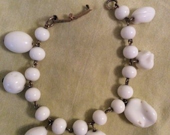 Unusual vintage goldtone and white glass bead bracelet