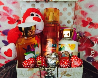 Valentines Gift Basket | Bath and Body Works | Heart Chocolate