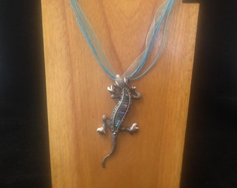 Silver and Abalone - Gecko