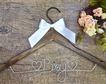 Personalized wedding Hanger, Wire Name bride Hanger, Wedding dress hanger, Bridal Hanger, Bridesmaids Name Hanger ,Rustic Wedding
