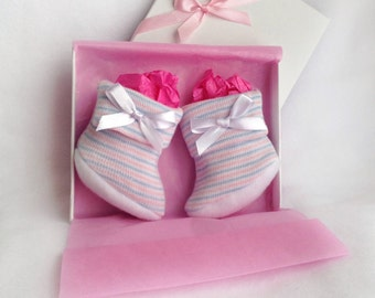 Newborn Baby Girl Booties - take home outfit girl - baby booties girl - Newborn Baby booties - gift for baby girl - coming home outfit girl