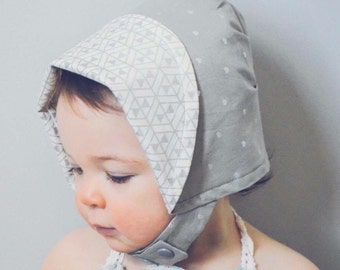 Teeny Tiny Hearts Sun Bonnet, Baby Bonnet, Baby Sun Hat, Baby Sun Bonnet, Reversible Bonnet, Modern Bonnet, For Baby and Toddler
