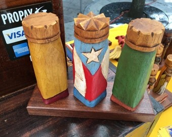 """Tres Reyes Magos (Three wise men) hand carved 6"""" Tall with the Puerto Rico Flag on back"""