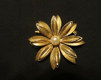 Vintage Gold Tone Flower With Pearl Center.