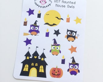 O06 || 17 Haunted House Owl Stickers
