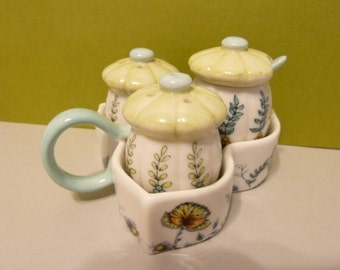 Canister Style Shaker & Sugar Set with Tray