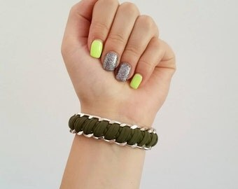 Lycra woven bracelet out of aluminium chain