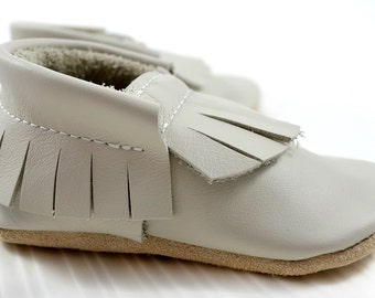White Moccasins, Baby Moccasins, Handmade Moccasins,  Leather Moccasins Baby, Toddler Moccasins, kids slippers, Snow leather, Stylish Kids