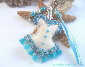 Jewel of bag romantic Corset, Keychain Moose; grey bag in beige felt and turquoise lace, romantic and feminine gift