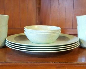 Blue/Green Melveen Melamine Dish Set