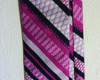 423.  Damon necktie