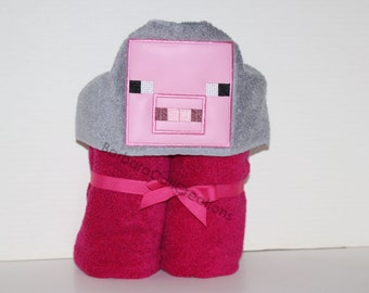 Hooded Bath Towel - 8-bit Pig