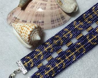 Loom woven beaded bracelet