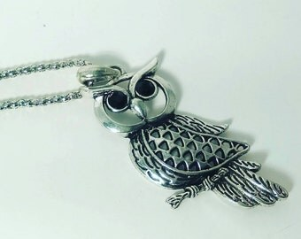 Silver chain with owl pendant