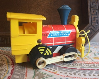 Vintage 1964 Fisher Price Toot Toot Pull Toy Train