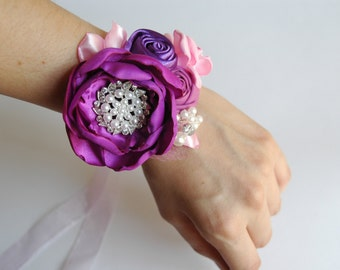 wedding cuff bracelet, bridal wrist corsage in violet, purple and pink, bracelet with lace, satin, pearls