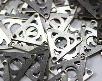 100 Pcs Antique Brass Triangle Charms - 13 mm Filigree Triangle Connector, Geometric Findings
