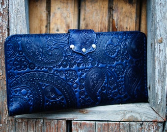 Navy blue wallet. Paisley wallet. Leather wallet. Leather paisley wallet. Leather navy wallet. iPhone cover. Smartphone cover.