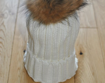 WHITE Cable Knit Bobble Hat Beanie Natural Raccoon Fur XL Pom Pom.