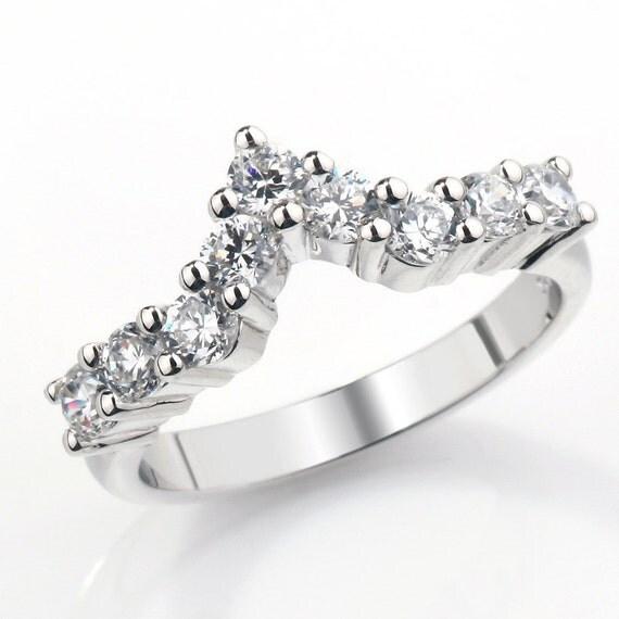 Claw Set V Shaped Diamond Wedding Ring Fully UK Hallmarked (WD114)