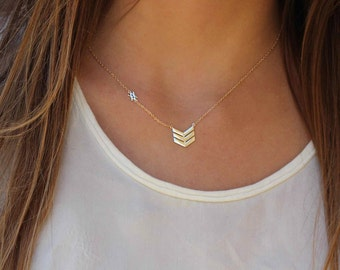 Arrow necklace- Triangle necklace - Geometric- boho chic necklace- Delicate Necklace - minimal jewelry - gold necklace - silver necklace