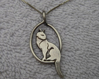 Nice Sterling SEATED CAT Pendant Necklace-Studio Craft-Signed-Dated 1990-18 Inch Chain