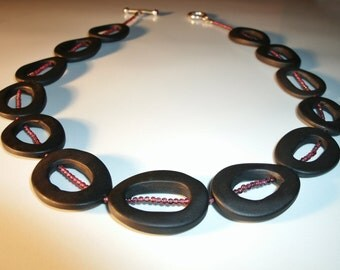 Stone necklace, black, chain chain red, Onyx necklace, Garnet necklace