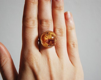 One Round, Flower Resin ring.