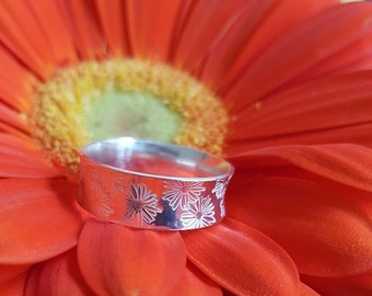 Silver ring with floral pattern, handmade