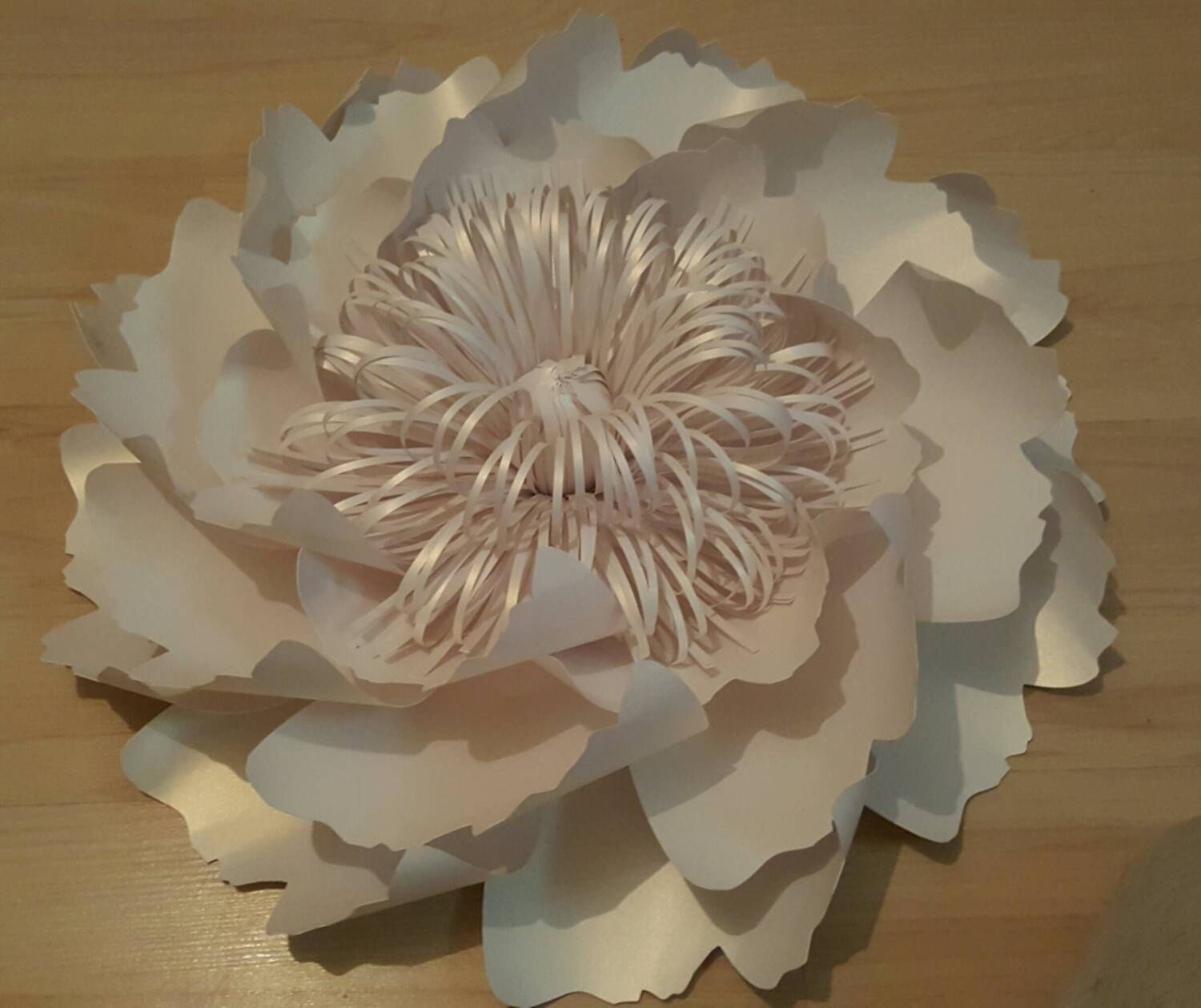 Giant paper flowers decoration white table and chair for Flower decoration made of paper