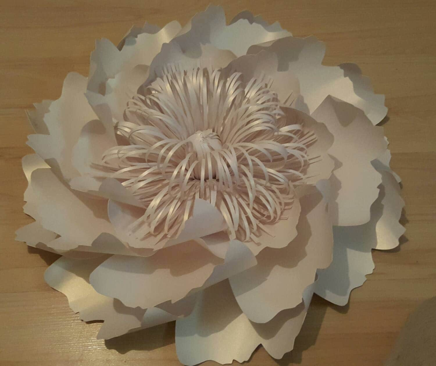 Giant paper flowers decoration white table and chair New flower decoration