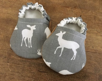 Woodland shoes | Deer baby shoes | Handmade baby shoes | Baby boy shoes | Hippy baby shoes | Gray baby shoes | Baby girl shoes