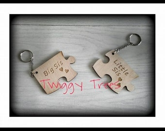 Jigsaw 2 piece set ,Sister  Big Sis, Little Sis   Keyring Gift Set