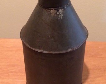 Antique/Vintage Oil Can