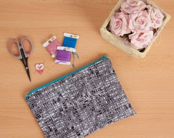 Notions pouch / Knitting notions pouch / Small cross stitch bag / Small Makeup bag / Small zipper pouch / Cross stitch pouch / Pouch / MTO