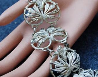 Vintage Karu Arke Silvertone Flower/Leaf Bracelet