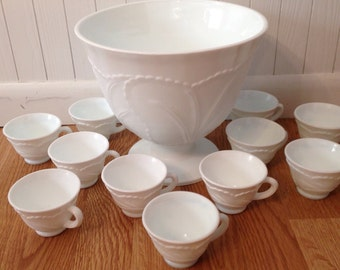 Immaculate Vintage Indiana Milk Glass Punch Bowl Set