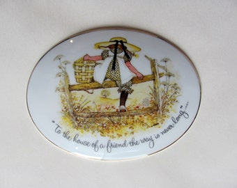 Vintage 1973 Holly Hobbie Porcelain Oval Plaque with Heart-shaped Hanger