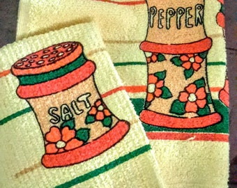 1970's Cannon kitchen towel set,salt and pepper dishcloth and matching dish towel in mint condition