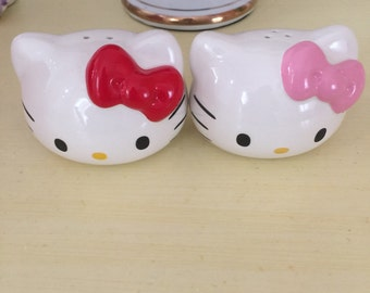 Hello Kitty salt pepper  still in box!