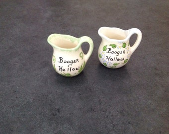 "Vintage Souvenirs ""Booger Hollow"" 2 Miniature Ceramic Pitchers Set Pottsville USA"