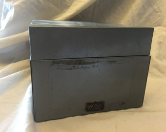 Vintage Weis metal Index card box  recipe box 8.5x5.5x4 inches