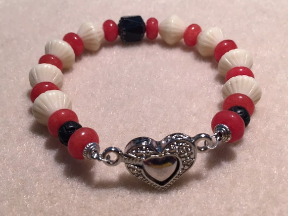 Aromatherapy Diffuser Bracelet. Czech Glass, Red Jade Gemstone and Lava Stone Beads for Essential Oils. Heart Shaped Magnetic Clasp
