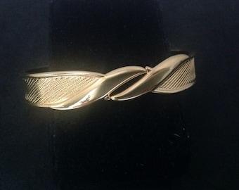 Vintage monet gold toned hinged bangle bracelet